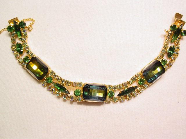 Beautiful Green and Aurora Borealis Bracelet