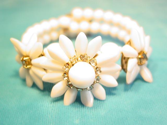 Old White Milk Glass Flower Wire Bracelet