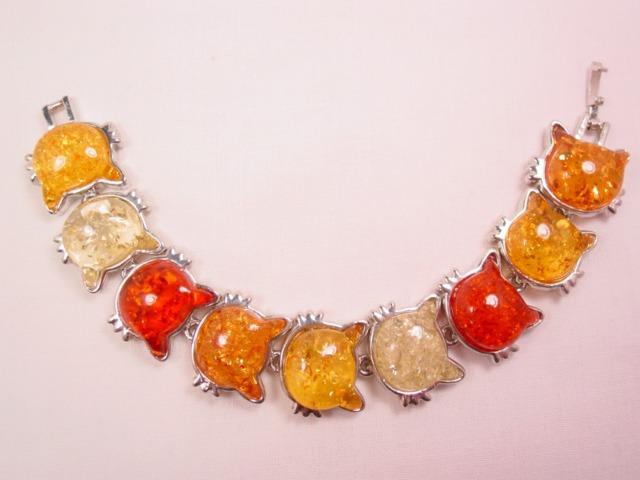 Crackle Plastic Cat Bracelet