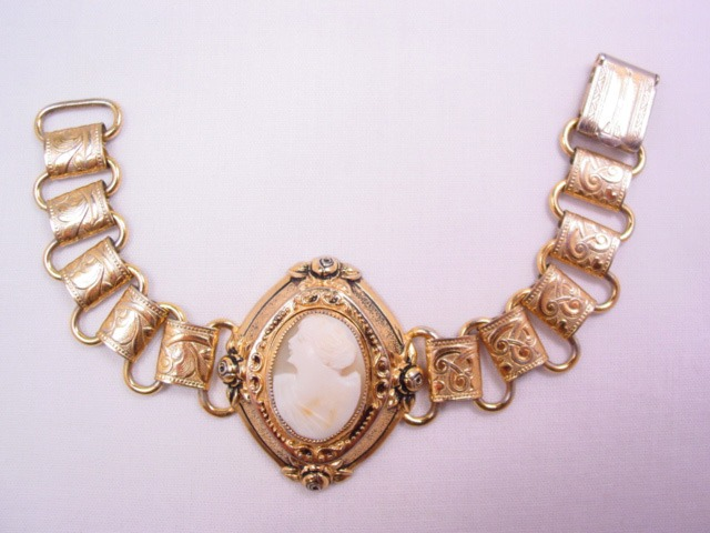 Old Real Shell Cameo Linked Bracelet