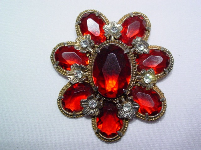 1930s Red Plastic Dress Clip