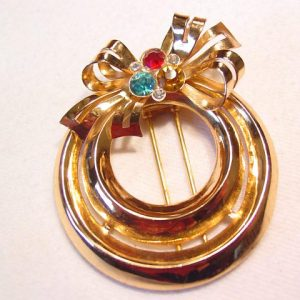 Coro Bow and Rings Dress Clip