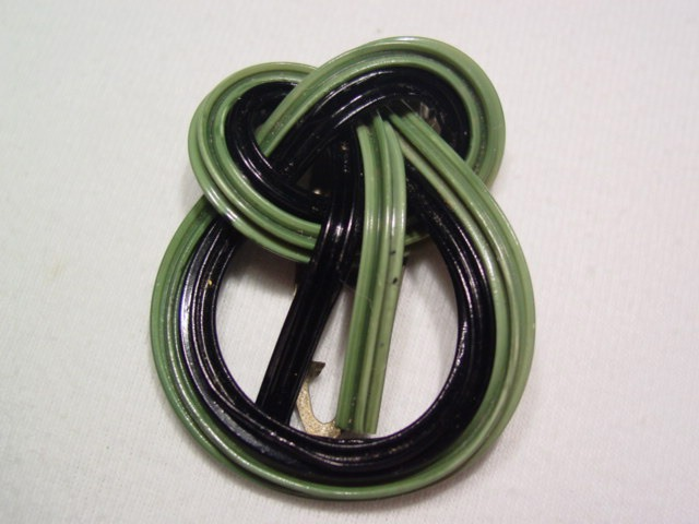 Twisted Plastic Navy and Green Rope Dress Clip