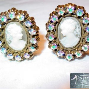 Mister Bijoux Cameo Earrings