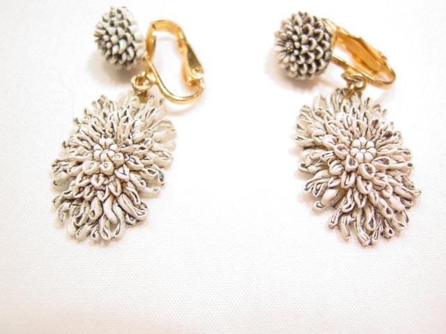 White Plastic Chrysanthemum Earrings