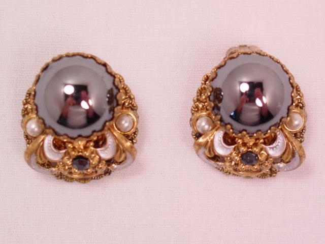 Beautiful Hematite-Colored Cabochon West German Earrings