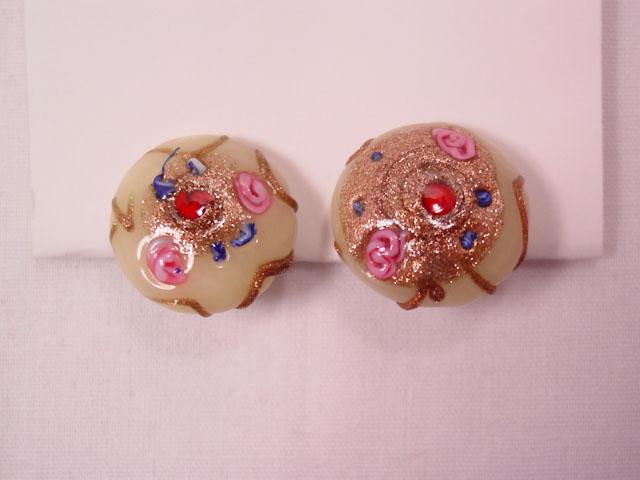 Cream-Colored Venetian Cab Earrings