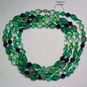 Beautiful Forest Green Glass Necklace