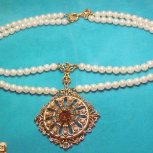 Florenza Pearl Medallion Necklace