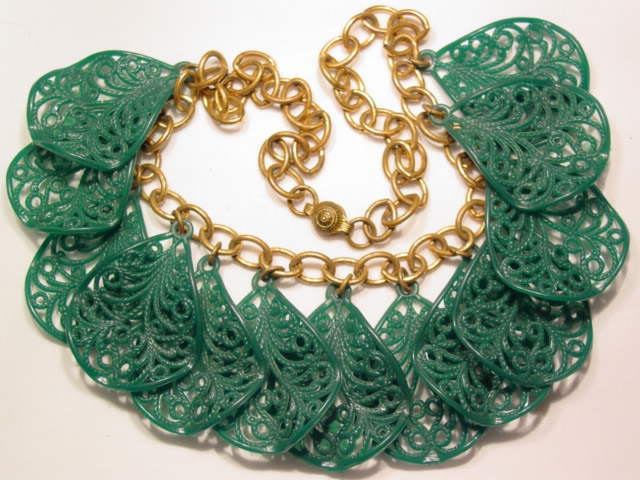 Lacy Old Green Plastic Necklace