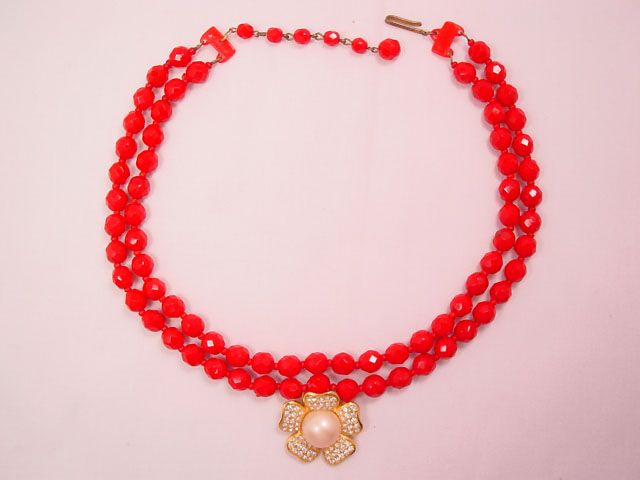 Blood-Red Glass Bead Necklace with a Rhinestone Flower Pendant