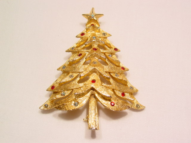 Benedikt Christmas Tree Pin