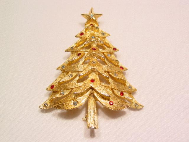 Benedikt Christmas Tree Pin
