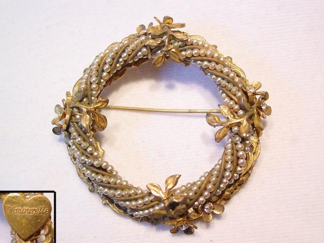 Amourelle Pearl Wreath Pin