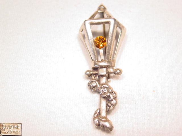 Three-Dimensional Lang Sterling Lantern Pin