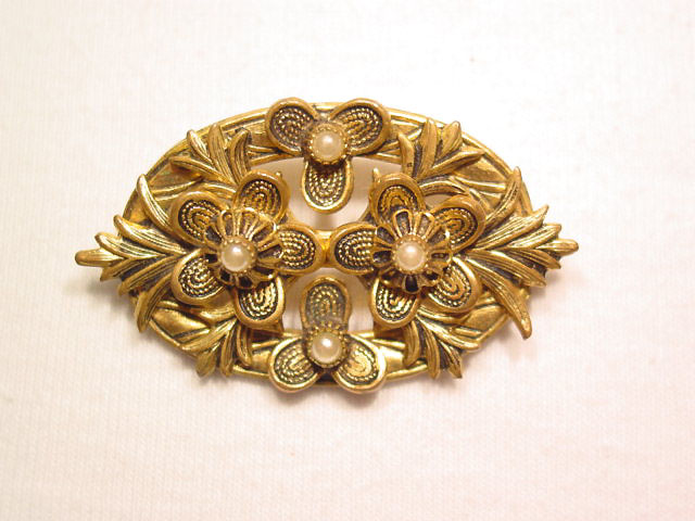 Floral and Pearl Oval Pin