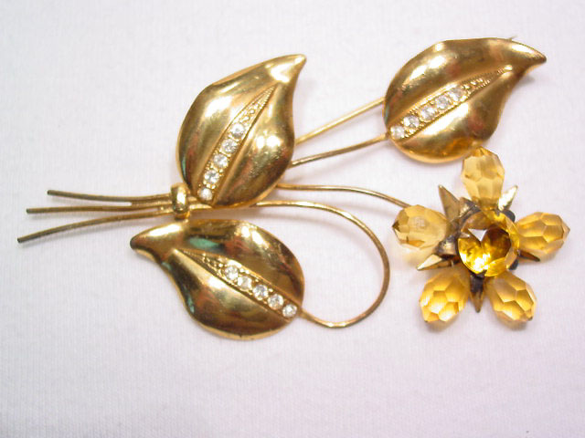 Beautiful Topaz Colored Crystal Flower Pin