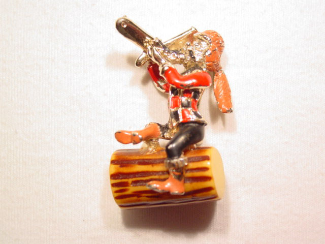 Davy Crockett on a Log Pin