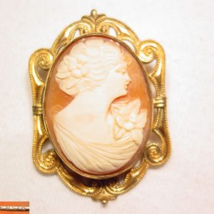 Beautiful Gold-Filled Signed Carved Shell Cameo Pin