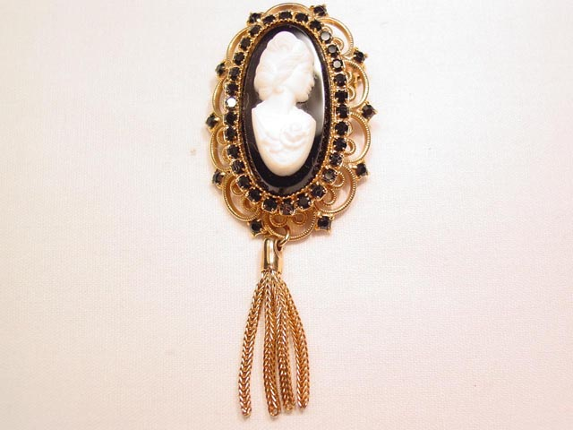 Elongated Glass Cameo Filigree Pin