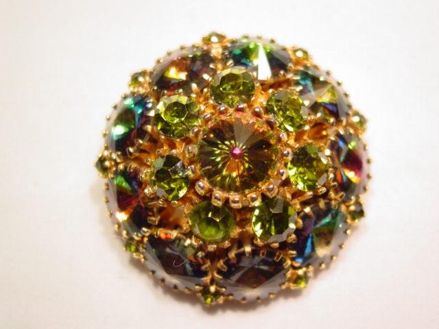 Wonderful Round Rivoli Pin