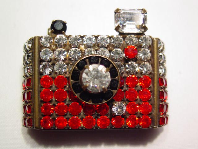 Rhinestone Camera Picture Holder Pin
