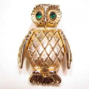 Vanda Owl Perfume Holder Pin