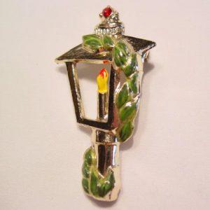 Christmas Lantern Pin