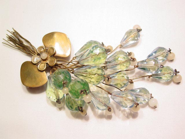 Green Floral Spray Pin