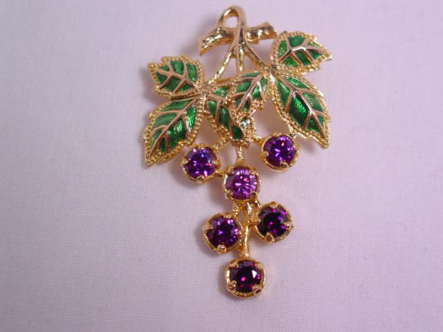 Berebi Limited Edition Purple Grape Bunch Pin