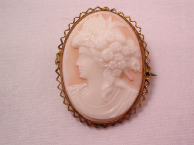High Relief Glass Czechoslovakian Cameo Pin