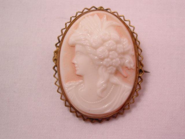 High Relief Glass Czechoslovakian Cameo Pin