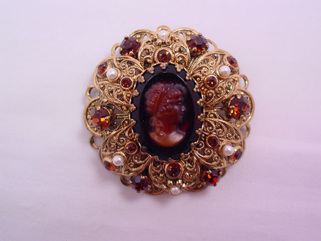 Caramel/Brown Germany Filigree Cameo Pin