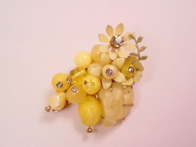 Yellow Spring Rock-Beaded Pin