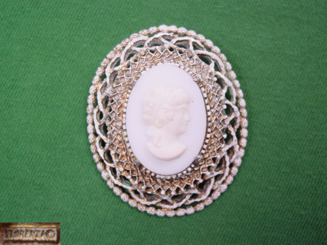 Antique White Glass Florenza Cameo Pin