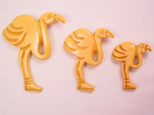3 Graduated-Sized Butterscotch Bakelite Flamingo Pins