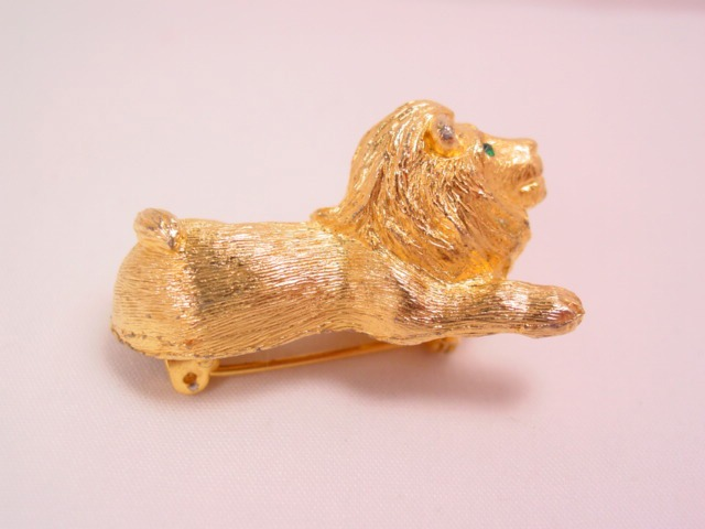 3-Dimensional Goldtone J.J. Lion Pin