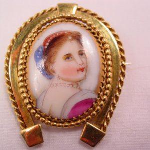Horseshoe Portrait Pin