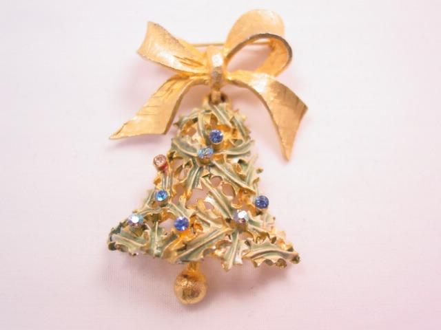 Mylu Christmas Bell Pin