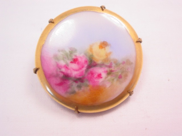 Small Floral Porcelain Pin