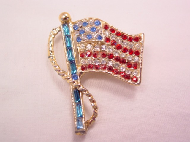 Beautiful Rhinestone-Covered American Flag Pin