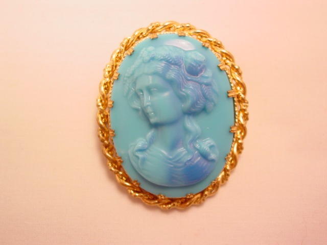 Detailed Sky Blue Glass Cameo Pin