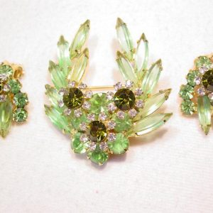 Pale Green D&E/Juliana Flower Pin & Earrings Set