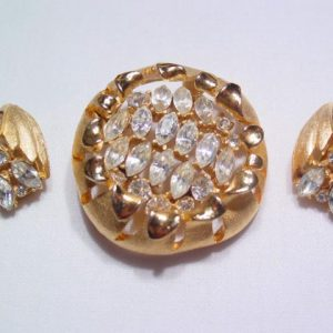 BSK Stylized Flower Pin and Earrings Set