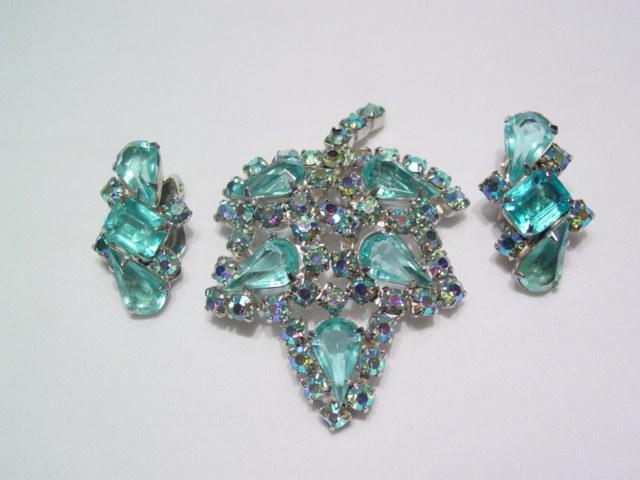 Aqua leaf Pin and Earrings Set