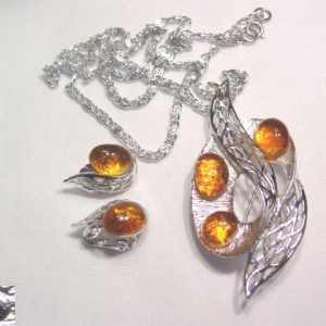Celebrity Amber Glass Pin/Pendant and Earrings Set