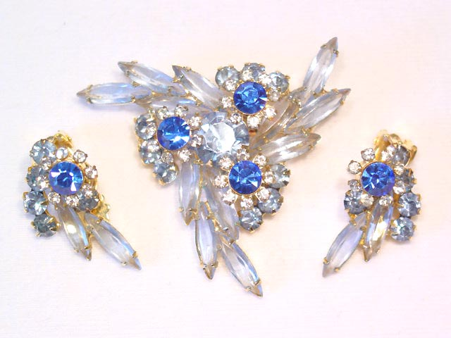 Baby Blue D&E (Juliana) Pin and Earrings Set