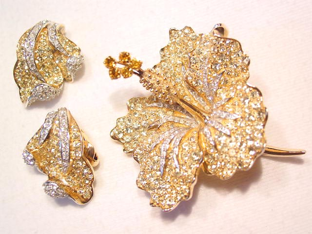 Stunning Boucher Yellow Flower Pin and Earrings