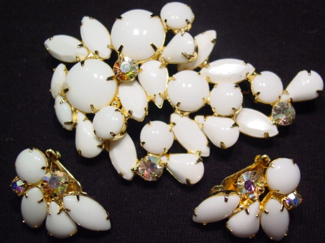 Chunky Milk Glass Pin and Earrings Set