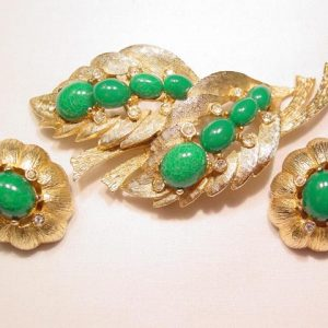 1961 Ledo Green and Goldtone Leaf Pin and Earrings Set